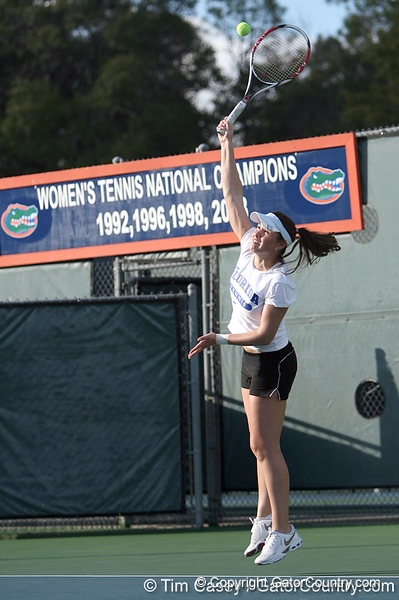 photo by Tim Casey<br /> <br /> Florida junior Anastasia Revzina competes during the No. 7-ranked Gators' 6-1 win against the Stetson Hatters on Tuesday, January 27, 2009 at Linder Stadium in Gainesville, Fla.