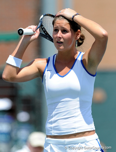 Freshman Joanna 'Jo' Mather of the University of Florida women's tennis team competes in the NCAA women's tournament on Sunday, May 10, 2009 against the Florida State University in Gainesville, Fla. at the Ring Tennis Complex. / Gator Country photo by Casey Brooke Lawson
