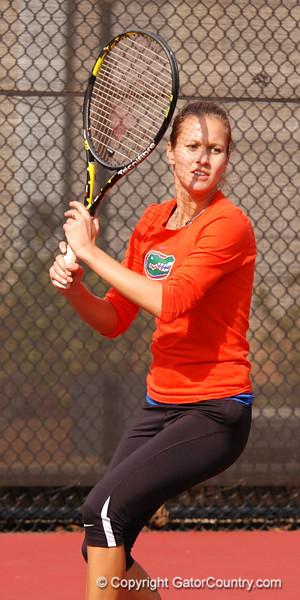 JanowiczOlivia_120304_Womens Tennis UGA vs FLA (50)_JLewis