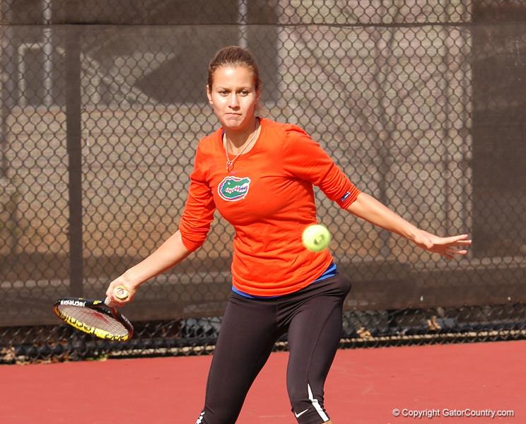 JanowiczOlivia_120304_Womens Tennis UGA vs FLA (48)_JLewis