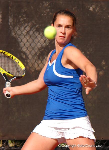 OyenSofie_120304_Womens Tennis UGA vs FLA (38)_JLewis