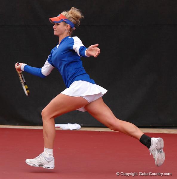 WillAllie_120304_Womens Tennis UGA vs FLA (20)_JLewis