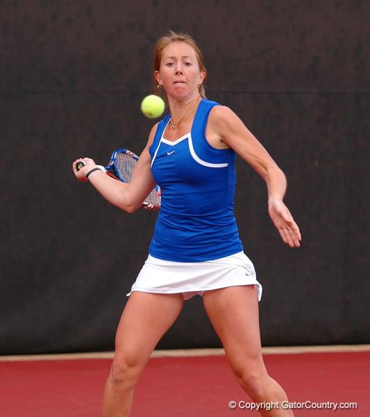 EmbreeLauren_120304_Womens Tennis UGA vs FLA (17)_JLewis