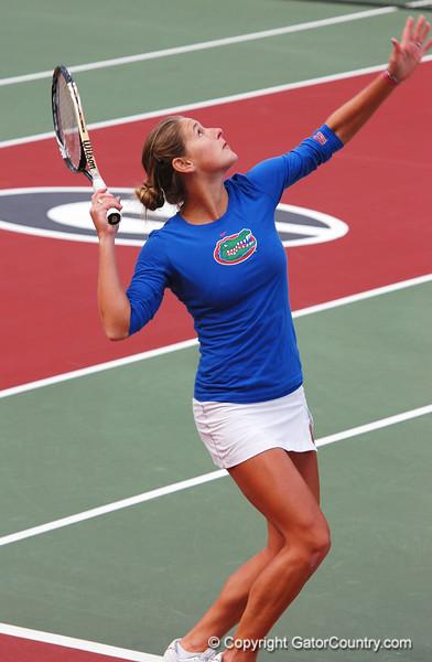 MatherJoanna_120304_Womens Tennis UGA vs FLA (6)_JLewis