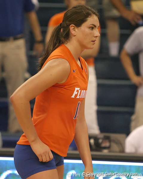 photo by Tim Casey<br /> <br /> Florida freshman setter/right-side hitter Kelly Murphy awaits a serve during the Gators' sweep of the South Carolina Gamecock on Wednesday, October 15, 2008 at the Stephen C. O'Connell Center in Gainesville, Fla.