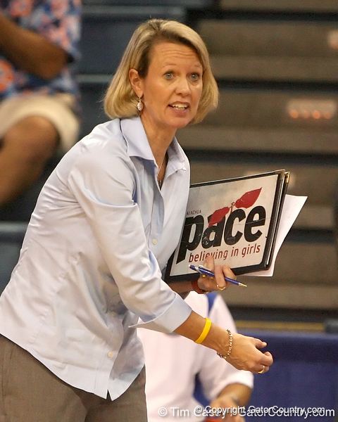 photo by Tim Casey<br /> <br /> Florida volleyball head coach Mary Wise gives instruction during the Gators' sweep of the South Carolina Gamecock on Wednesday, October 15, 2008 at the Stephen C. O'Connell Center in Gainesville, Fla.
