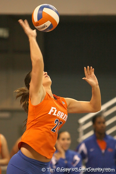 photo by Tim Casey<br /> <br /> Florida sophomore defensive specialist Erin Fleming serves during the Gators' sweep of the South Carolina Gamecock on Wednesday, October 15, 2008 at the Stephen C. O'Connell Center in Gainesville, Fla.