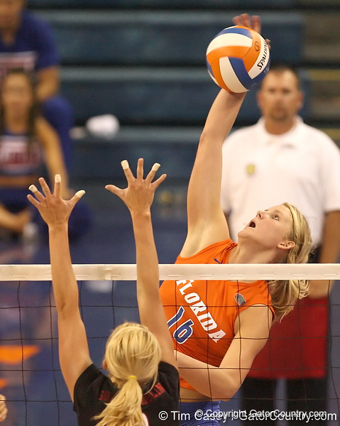 photo by Tim Casey<br /> <br /> Florida freshman outside hitter Colleen Ward makes an attack during the Gators' sweep of the South Carolina Gamecock on Wednesday, October 15, 2008 at the Stephen C. O'Connell Center in Gainesville, Fla.