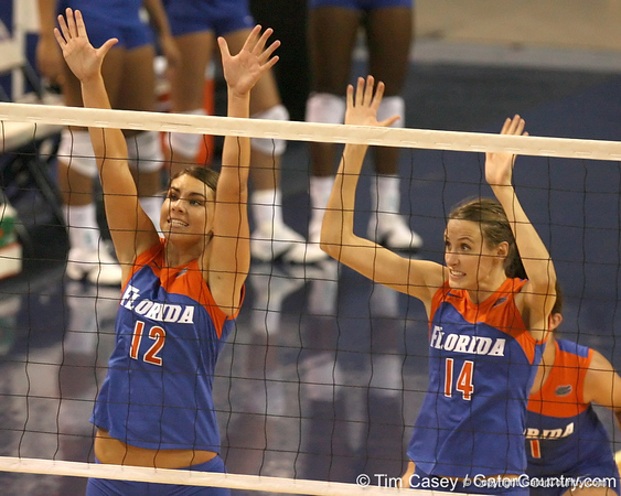 080824_MurphyKellySmithBetsy_6576_TCasey<br /> <br /> photo by Tim Casey<br /> <br /> during the Florida volleyball team's annual Fan Day and Orange and Blue Scrimmage on Sunday, August 24, 2008 at the Stephen C. O'Connell Center in Gainesville, Fla.