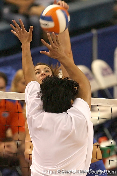 080824_MurphyKelly_6569_TCasey<br /> <br /> photo by Tim Casey<br /> <br /> during the Florida volleyball team's annual Fan Day and Orange and Blue Scrimmage on Sunday, August 24, 2008 at the Stephen C. O'Connell Center in Gainesville, Fla.