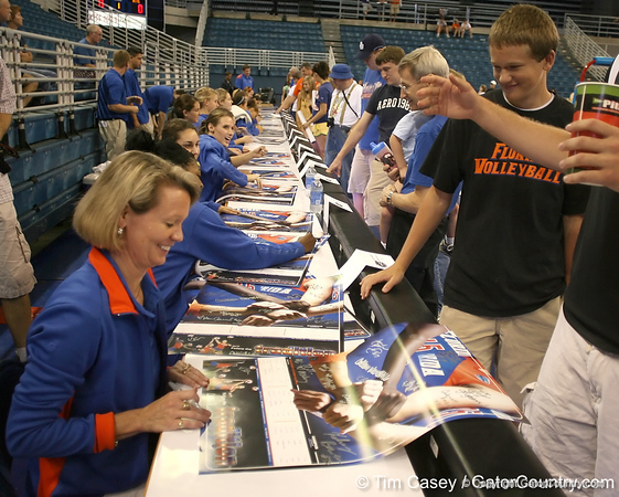 080824_WiseMary_6279_TCasey<br /> <br /> photo by Tim Casey<br /> <br /> during the Florida volleyball team's annual Fan Day and Orange and Blue Scrimmage on Sunday, August 24, 2008 at the Stephen C. O'Connell Center in Gainesville, Fla.