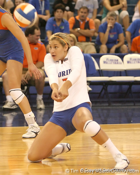 080824_CusackElyse_6432_TCasey<br /> <br /> photo by Tim Casey<br /> <br /> during the Florida volleyball team's annual Fan Day and Orange and Blue Scrimmage on Sunday, August 24, 2008 at the Stephen C. O'Connell Center in Gainesville, Fla.