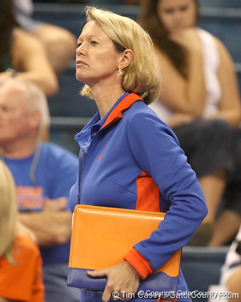 080824_WiseMary_6526_TCasey<br /> <br /> photo by Tim Casey<br /> <br /> during the Florida volleyball team's annual Fan Day and Orange and Blue Scrimmage on Sunday, August 24, 2008 at the Stephen C. O'Connell Center in Gainesville, Fla.