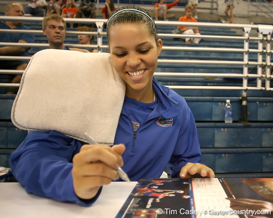 080824_RiversCallie_6303_TCasey<br /> <br /> photo by Tim Casey<br /> <br /> during the Florida volleyball team's annual Fan Day and Orange and Blue Scrimmage on Sunday, August 24, 2008 at the Stephen C. O'Connell Center in Gainesville, Fla.