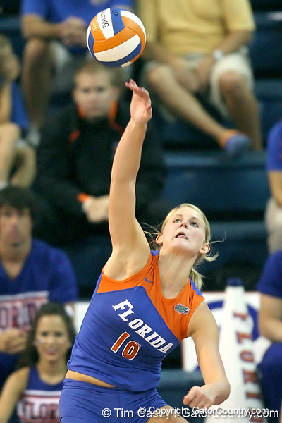 Florida sophomore outside hitter Colleen Ward serves during the third game of the Gators' 3-0 win against the UNLV Rebels on Friday, August 28, 2009 at the Stephen C. O'Connell Center in Gainesville, Fla / Gator Country photo by Tim Casey