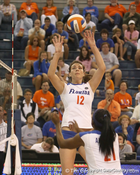Florida sophomore setter/right-side hitter Kelly Murphy sets the ball during the Gators' 3-0 win against the Auburn Tigers on Sunday, November 8, 2009 at the Stephen C. O'Connell Center in Gainesville, Fla. / Gator Country photo by Tim Casey