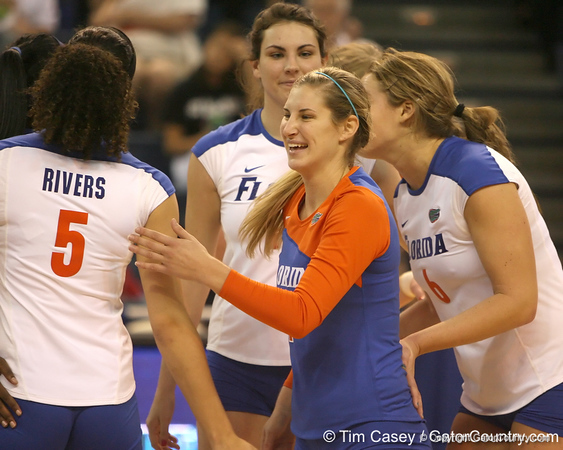 Florida senior libero Elyse Cusack celebrates with teammates during the Gators' 3-0 win against the Auburn Tigers on Sunday, November 8, 2009 at the Stephen C. O'Connell Center in Gainesville, Fla. / Gator Country photo by Tim Casey