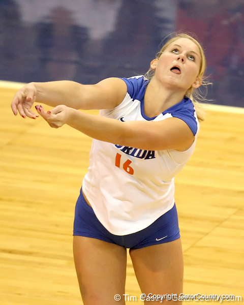 Florida sophomore outside hitter Colleen Ward prepares to make a dig during the Gators' 3-0 win against the Colorado Buffaloes on Saturday, August 29, 2009 at the Stephen C. O'Connell Center in Gainesville, Fla / Gator Country photo by Tim Casey