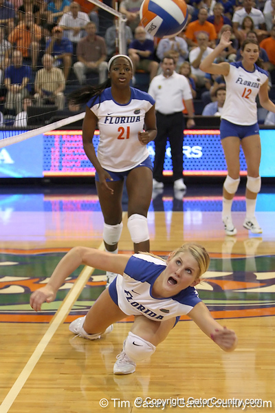 Florida sophomore outside hitter Colleen Ward dives for the ball during the Gators' 3-0 win against the Colorado Buffaloes on Saturday, August 29, 2009 at the Stephen C. O'Connell Center in Gainesville, Fla / Gator Country photo by Tim Casey