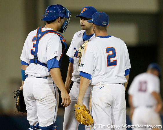 Florida sophomore catcher Mike Zunino talks with senior pitcher Matt Campbell during the Gators' 7-0 win against the Alabama Crimson Tide on Friday, April 22, 2011 at McKethan Stadium in Gainesville, Fla. / Gator Country photo by Tim Casey