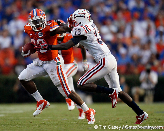 Florida senior running back Jeff Demps runs for a 22-yard gain to the 43-yard line during the first quarter of the Gators' 41-3 win against FAU on Saturday, September 3, 2011 at Ben Hill Griffin Stadium in Gainesville, Fla. / Gator Country photo by Tim Casey