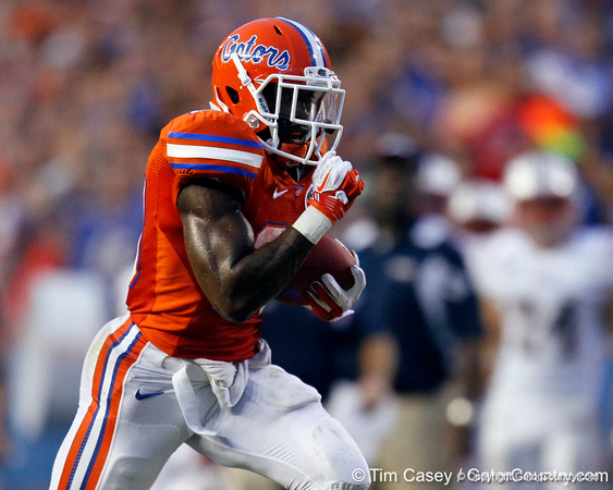 Florida senior running back Jeff Demps runs 35 yards for a touchdown during the second quarter of the Gators' 41-3 win against the FAU Owls on Saturday, September 3, 2011 at Ben Hill Griffin Stadium in Gainesville, Fla. / Gator Country photo by Tim Casey