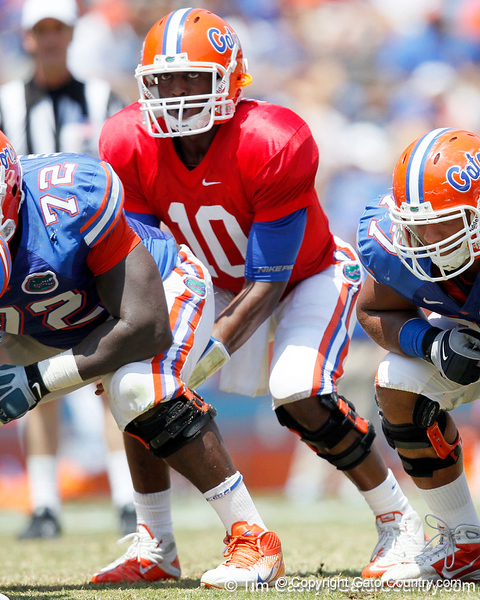 Florida redshirt freshman quarterback Tyler Murphy takes the ball from under center during the Gators' spring football game on Saturday, April 9, 2011 at Ben Hill Griffin Stadium in Gainesville, Fla. / Gator Country photo by Tim Casey