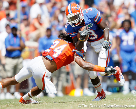 Florida redshirt senior running back/receiver Chris Rainey runs for a 10-yard gain during the Gators' spring football game on Saturday, April 9, 2011 at Ben Hill Griffin Stadium in Gainesville, Fla. / Gator Country photo by Tim Casey