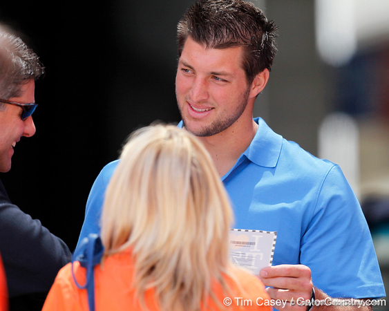 Tim Tebow talks with a fan during the Gators' spring football game on Saturday, April 9, 2011 at Ben Hill Griffin Stadium in Gainesville, Fla. / Gator Country photo by Tim Casey