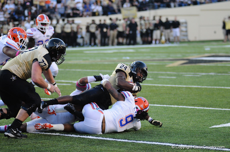 Florida senior Josh Evans during the Gators' 31-17 win against the Vanderbilt Commodores Saturday October 13, 2012 at the Vanderbilt Stadium in Nashville, TN. / Gator Country photo by Saj Guevara
