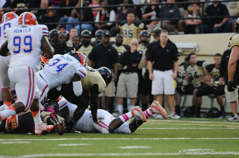 Florida  redshirt Senior Lerentee McCray during the Gators' 31-17 win against the Vanderbilt Commodores Saturday October 13, 2012 at the Vanderbilt Stadium in Nashville, TN. / Gator Country photo by Saj Guevara