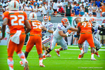 Driskel looking downfield for an open receiver.  Gators vs Miami.  9-07-13.