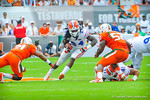 RB Matt Jones finds an open hole.  Gators vs Miami.  9-07-13.