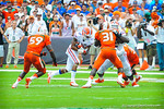 DB/RB Valdez Showers catches the ball from Driskel and runs upfield.  Gators vs Miami.  9-07-13.