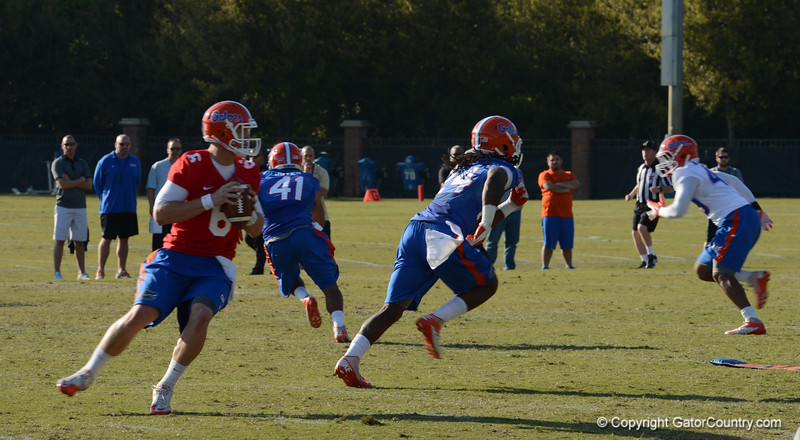 Driskel (6) back to pass, Joyer (41) and Jones (24) empty backfield as receivers