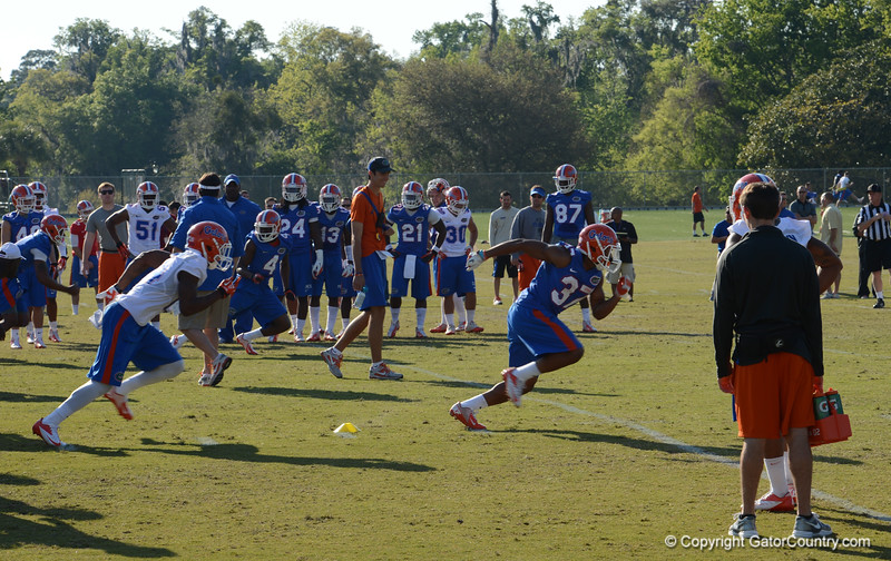 Herndon (37) drops back to pick up gunner in punt coverage drill