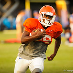 Keanu Neal running with the ball during the gators practice on 8-15-13.