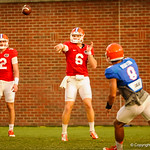 QB Jeff Driskel throws to Trey Burton. Gator Practice 8-15-13.