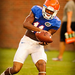 WR Demarcus Robinson catches a ball from Jeff Driskel. Gator Practice 8-15-13.