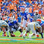 QB Jeff Driskel prepares to snap the ball.  Gators vs Toledo.  8-31-13.