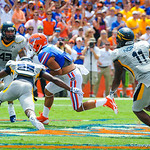WR Trey Burton catches the ball and runs for a gator first down.  Gators vs Toledo.  8-31-13.