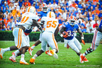 RB Mack Brown takes the handoff from Tyler Murphy and sprints into the open hole.   Gators vs Tennessee Volunteers.  September 21, 2013.