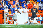 WR Solomon Patton catches the pass from Tyler Murphy and makes two Tennessee defensers miss as he runs in for a gator touchdown!  Gators vs Tennessee Volunteers.  September 21, 2013.