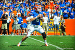 Gator QB Jeff Driskel drops back to pass.  Gators vs Tennessee Volunteers.  September 21, 2013.