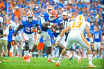 QB Tyler Murphy hands the ball off to RB Matt Jones.  Gators vs Tennessee Volunteers.  September 21, 2013.