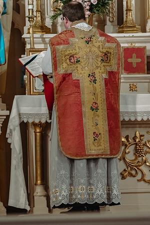_NIK8630 Gaudete St  Marys FSSP Advent LatinMass Kick