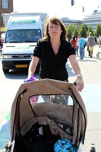 Copenhagen Pride - 2011 Linda Johansen er klar til at køre fotografen ned!