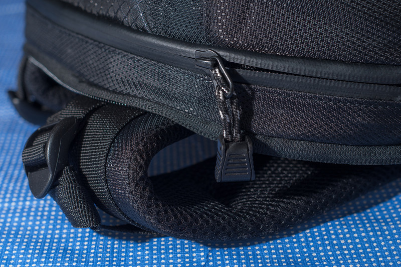"""<center> <br><br><a href=""""http://www.tenba.com/Products/Shootout-Backpack-Medium-Black.aspx"""" target=""""_blank"""">Tenba Shootout Backpack, Medium Black  <p>Durable padded shoulder straps lined with a breathable tough mesh fabric.</p></a> </center>"""