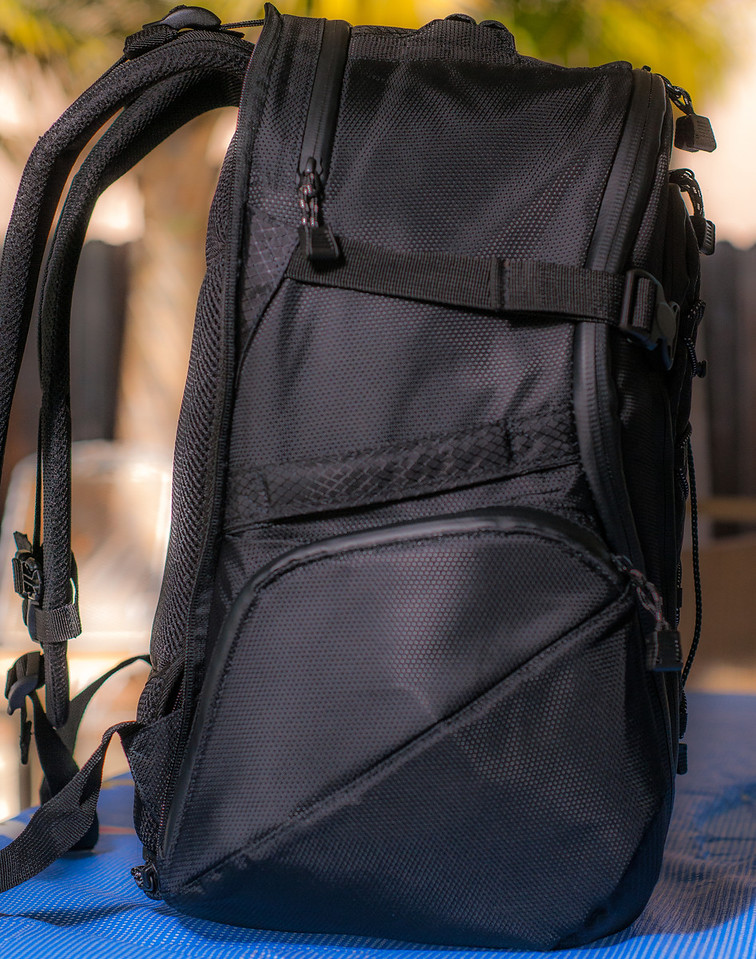 "<br><br><a href=""http://www.tenba.com/Products/Shootout-Backpack-Medium-Black.aspx"" target=""_blank"">Tenba Shootout Backpack, Medium Black  <p>Left side  view of bag.</p></a>"