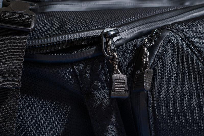 "<center> <br><br><a href=""http://www.tenba.com/Products/Shootout-Backpack-Medium-Black.aspx"" target=""_blank"">Tenba Shootout Backpack, Medium Black  <p>Water tight YKK zippers with rubber flaps.</p></a> </center>"